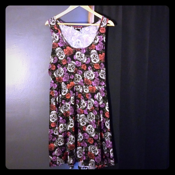 8f4e8f47ff6 Hot topic floral and skulls skater dress